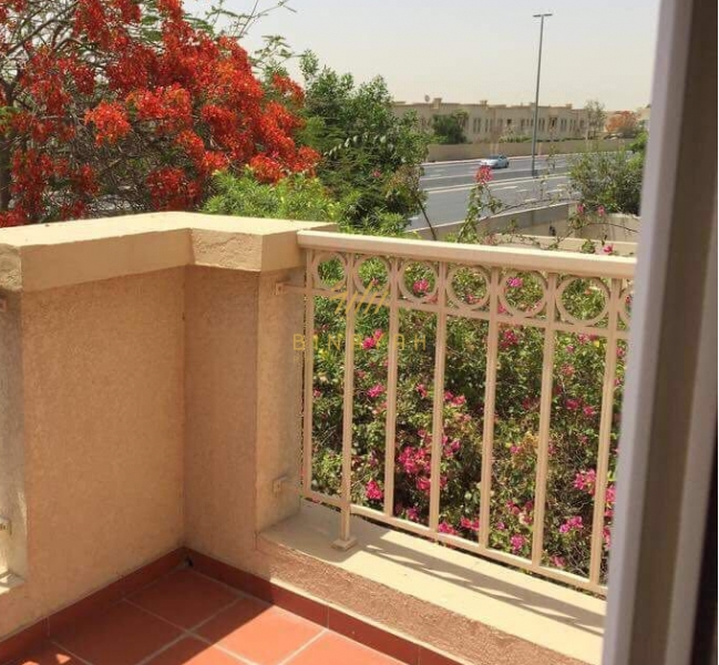 2BR + Study With Private pool in Springs 5