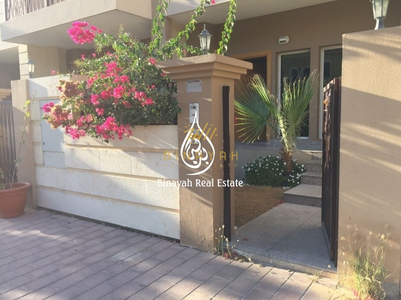 Exclusive 3 BR  JVC    Well-maintained