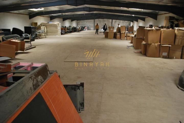 Very Large Warehouse with Built in Offices and washroom