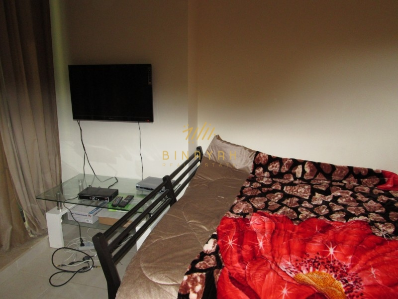 Huge ! Studio Fully Furnished In Gold Crest View 2