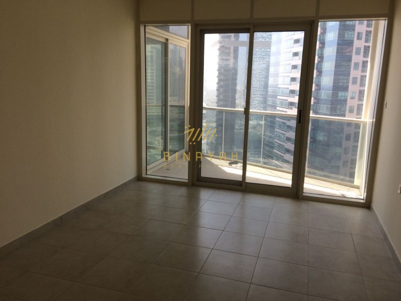 Spacious 1 BR|Full Lake View| Sale 1025K|