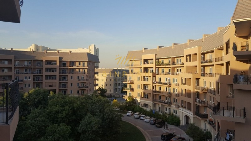 2 BR | Large Balcony | Community View