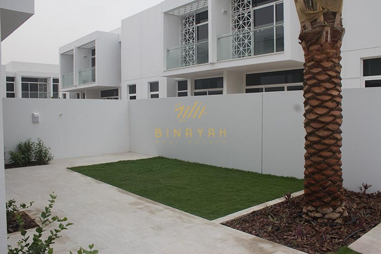 5 BR Semidetached TH | 4% Waiver in DLD