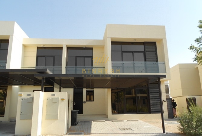 Swimming pool and golf View | 5BR | Type TH-D| 3.25M