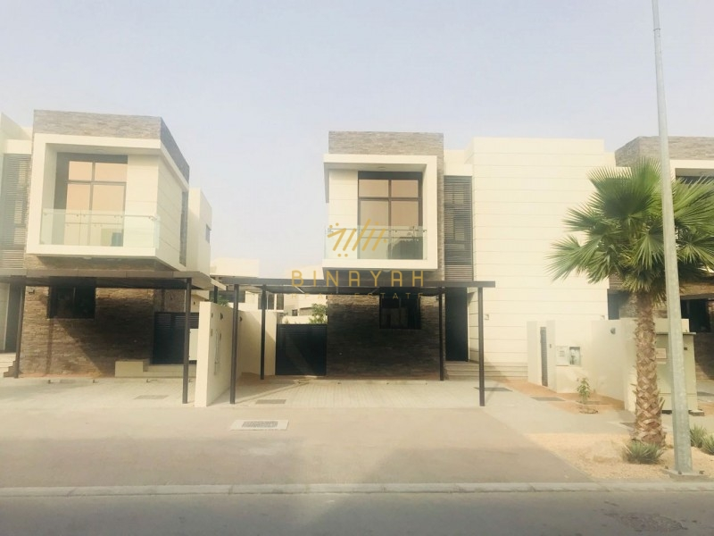 Best Location Fully Furnished Single Row 3-BR TH-L
