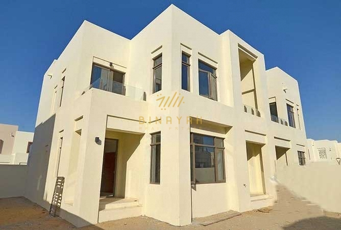 4BR + Maid Villa Next to Pool and Park