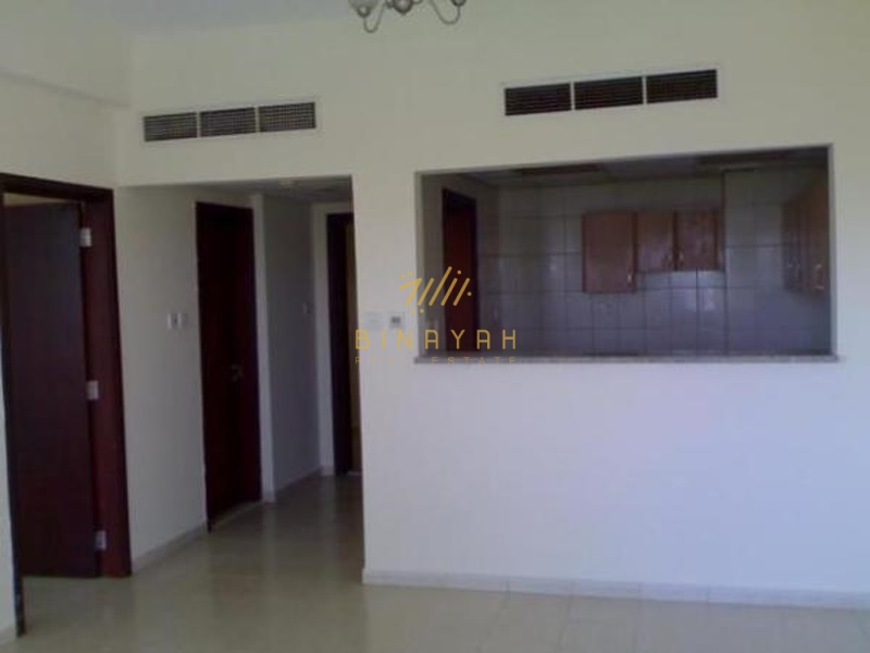 1 BHK with balcony in England Cluster