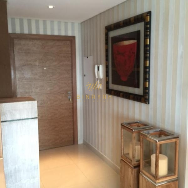 Available Now 1BR+Study Claren, Downtown