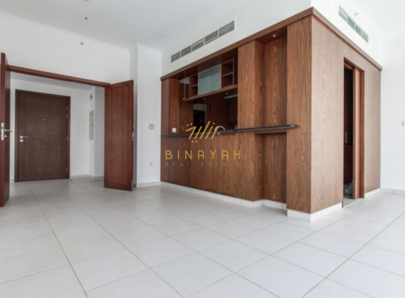 Best Deal in downtown big unit 4BR+Maid