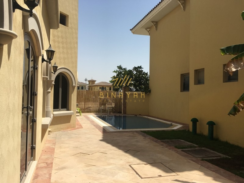 Beach front 4 Bed Villa with Private Pool ,Frond K