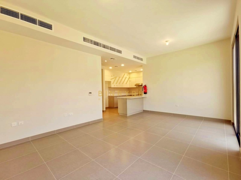 Single Row | Pool and Park | Keys in Hand|4 BR