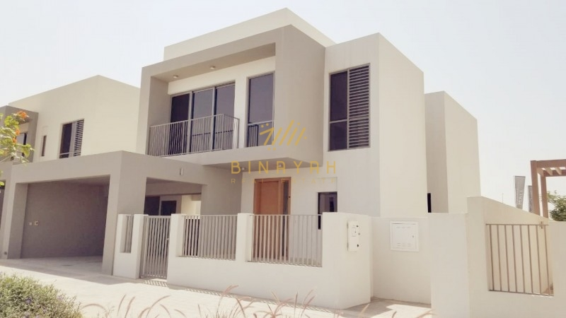 Modern Style | Single Row Villa Close to Park |