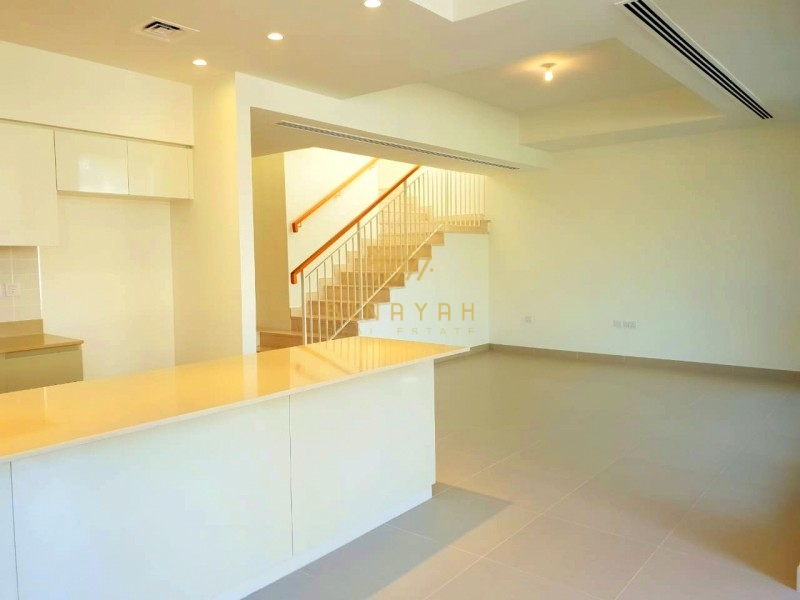 Ready To Move|Vacant 5 BR + Maid|Handed-over Unit
