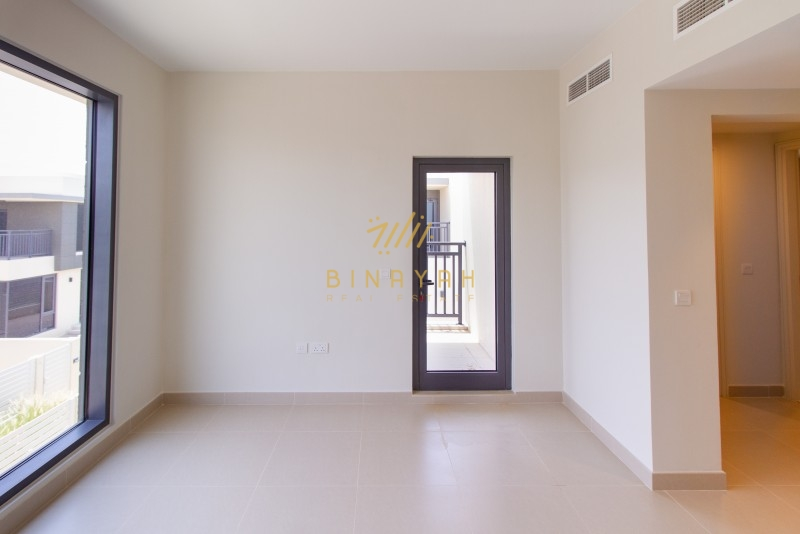 Walk to Pool & Park| Vacating Dec| Type 2E|2.45M