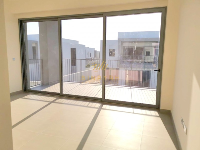 Deal Of the Day Contemporary Style  No Agent 