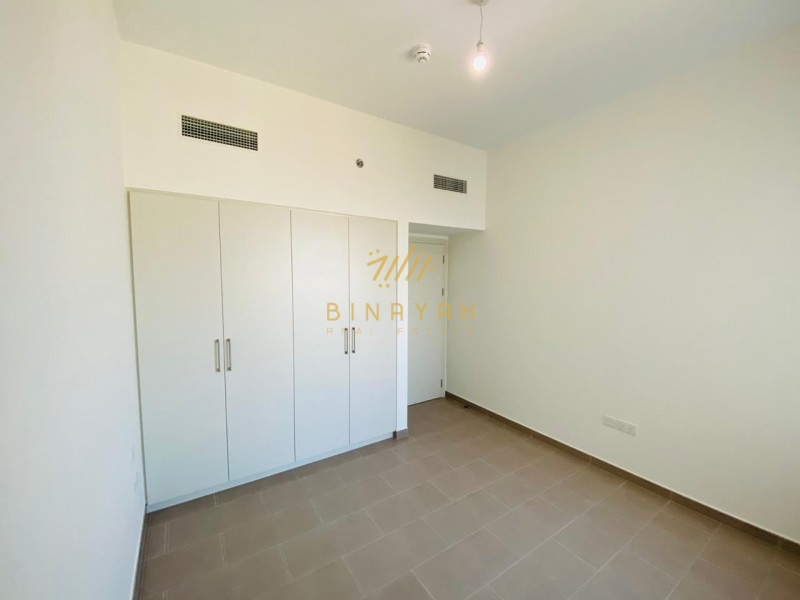 Weekly Deal| Available 1 Bedroom| Open kitchen|