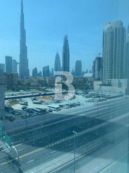 burj-khalifa-facing-office-with-chiller-free