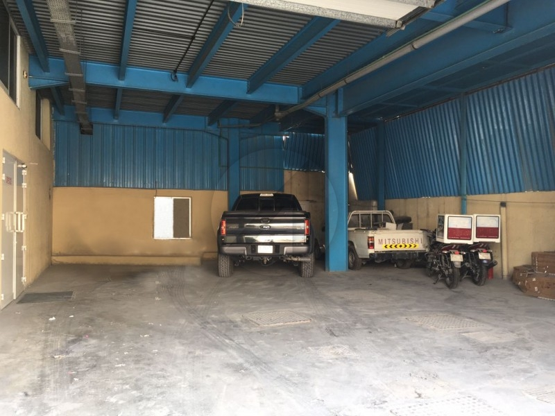 large-warehouse-for-sale-fully-furnished