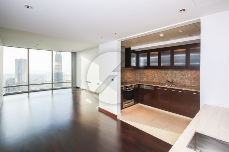 stunning-1br-with-lack-sea-and-opera-view