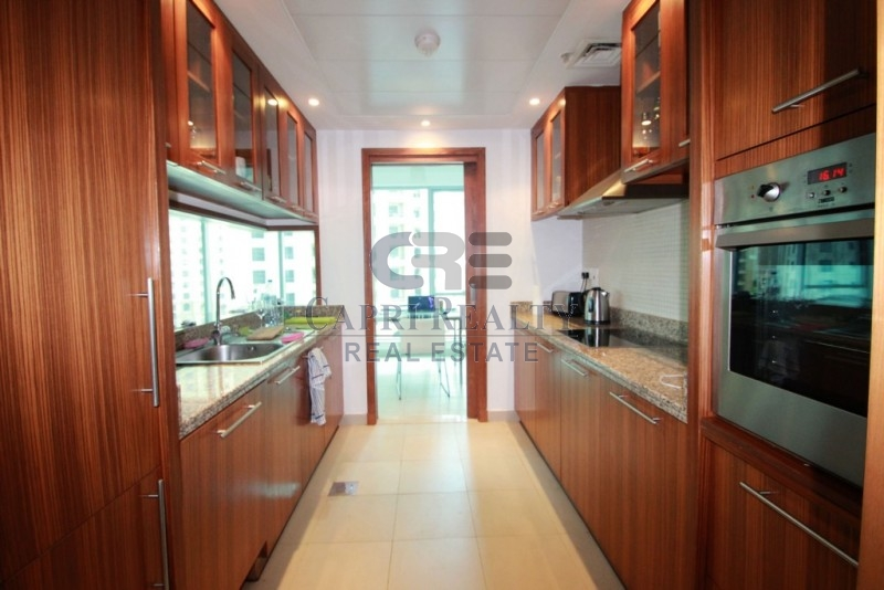 Large unit|Marina Promenade| Vacant now
