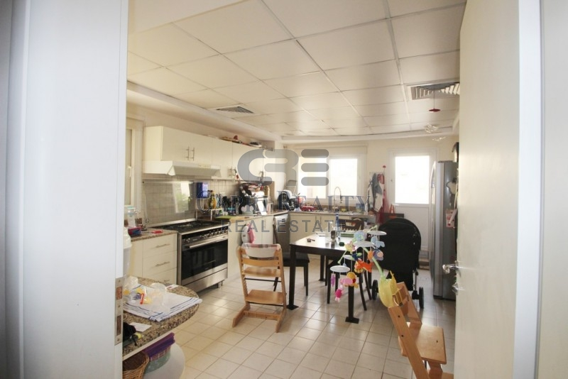 1 bed on Ground floor| lake view|Meaodws 2