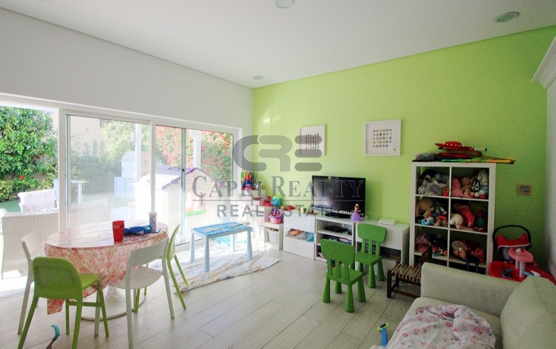 1 bed on GF|Partial lake view|Corner|Meadows 5