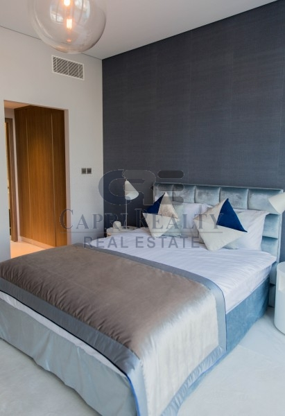 Private beach|Close to Downtown|Show apt ready