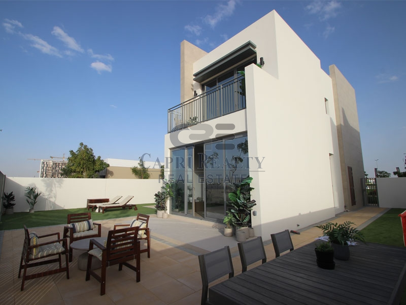 PAY AED 650K MOVE IN| GOLF COURSE VILLA