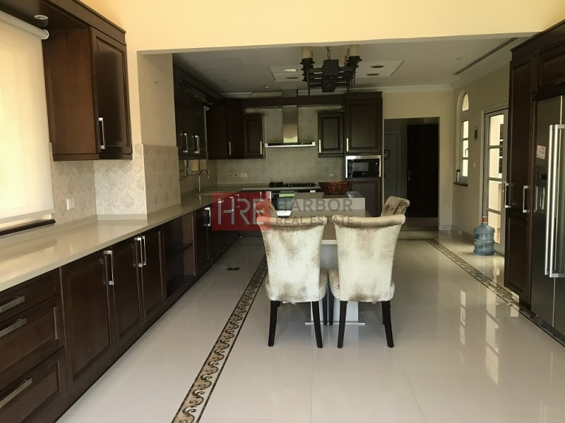 Upgraded Valencia Type Villa With Private Pool And Garden