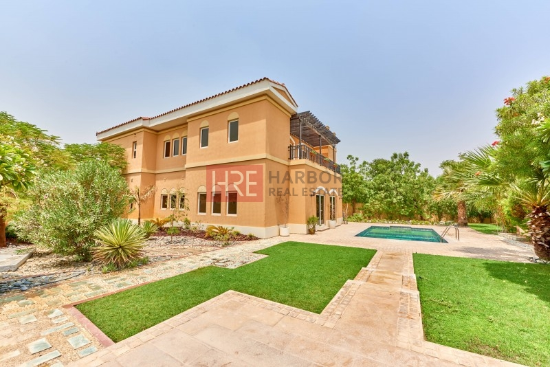 Highly Upgraded 6br  Mazaya Villa,  Park Facing