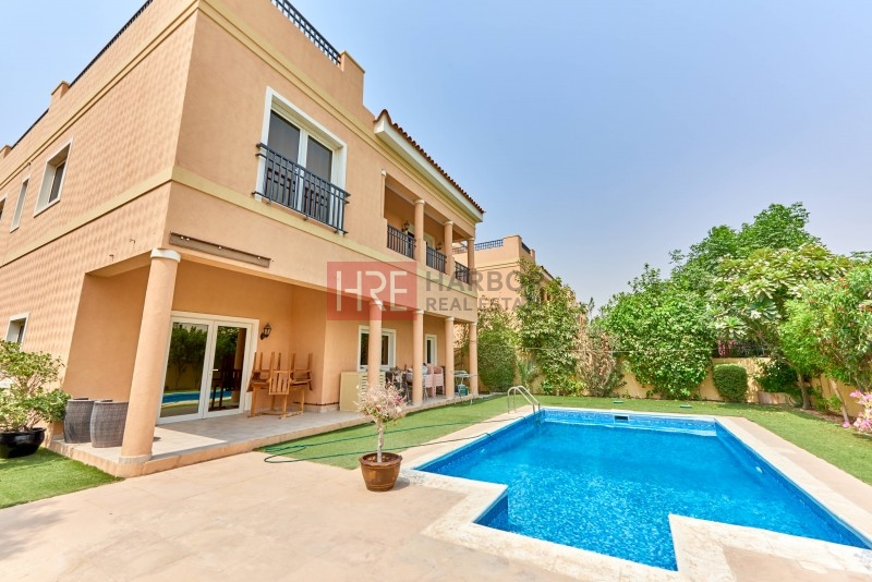 Mazaya A1 5br Villa, Front And Back Park View