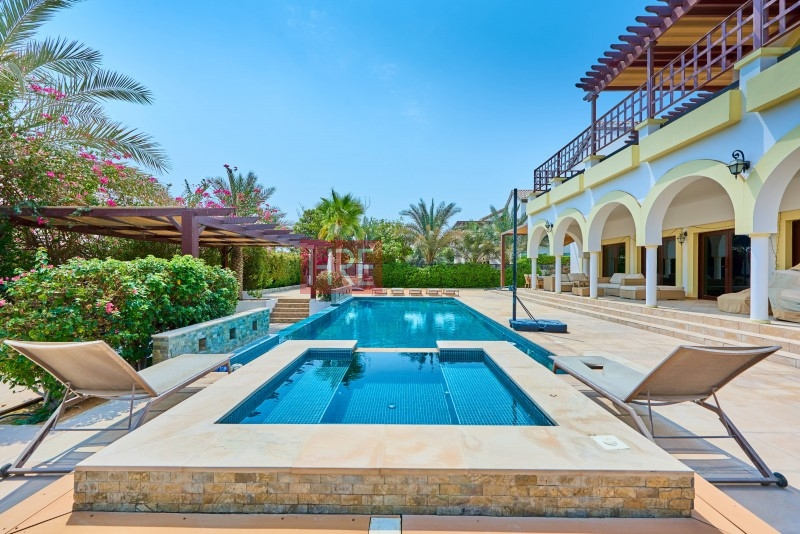 Value For Money! Stunning Marabella 5br + Pool + Garden
