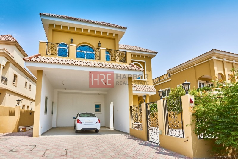 High-Quality Custom-Made 5br Villa With Park Front And Back