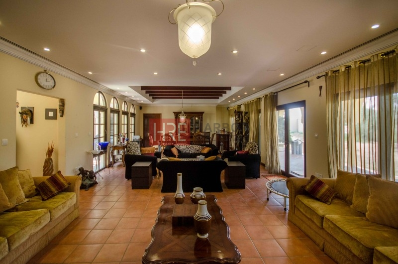 Well-Maintained 5br Marbella In Prime Location