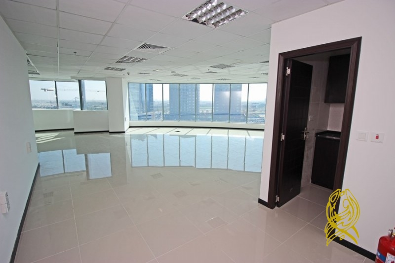 Tailored Office in XL Tower at Business Bay