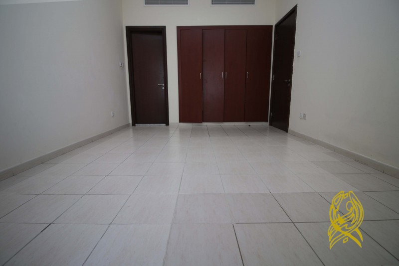 Inexpensive Unit in Spain Cluster at International City 1