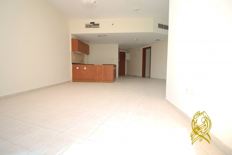 Beautiful 2 Bedroom Apartment in Crescent Tower at IMPZ