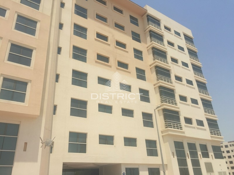 Huge 1 bed apartment for rent in Rawdhat