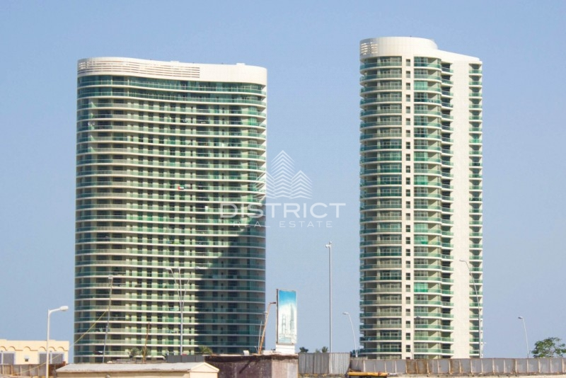 Large Balcony, 2 Beds Apt. in Beach Towers