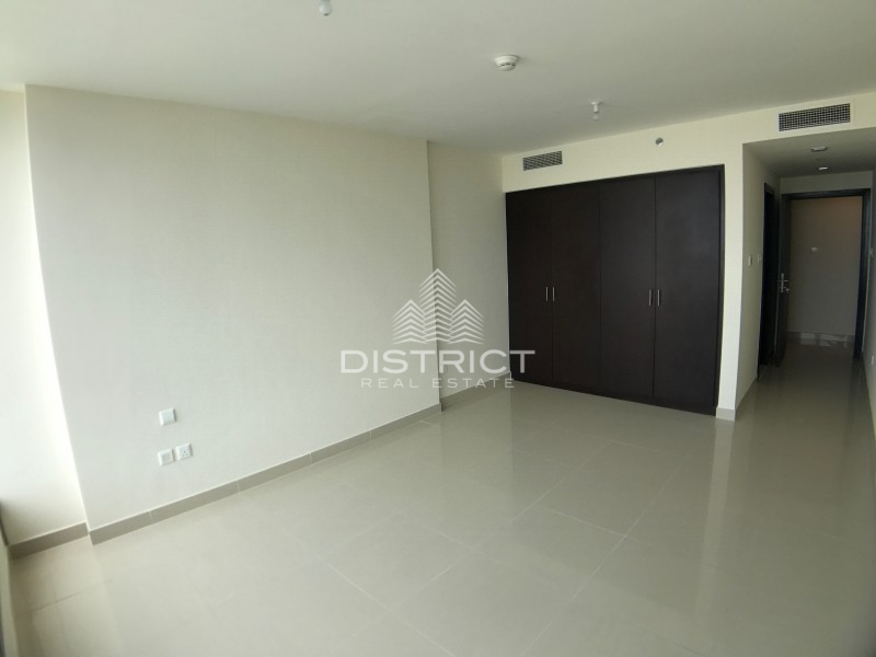 3BR w. Maids on High Floor in  Sky Tower