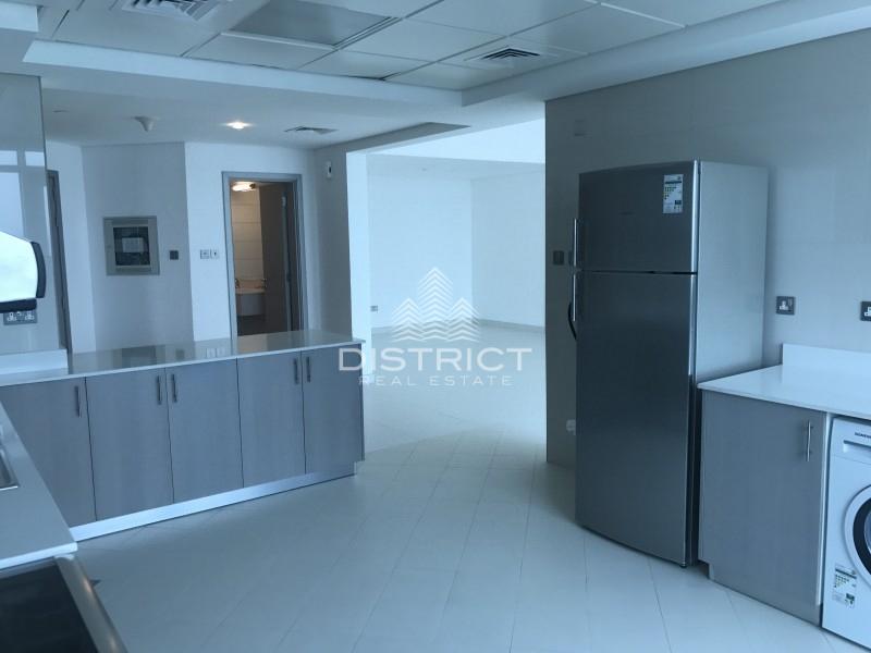 Smart 1 BR Apt. W/ Fitted Kitchen In TCA