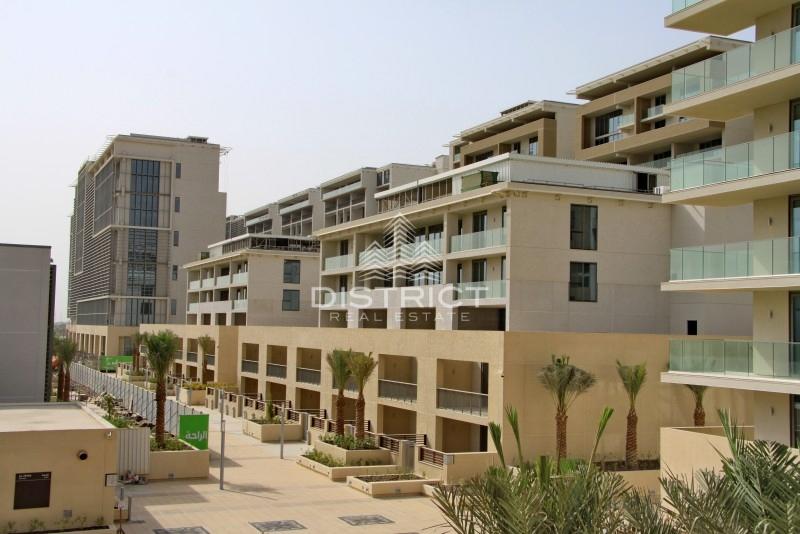 1 Month Free - 3BR TH w. Beach Access in Al Zeina