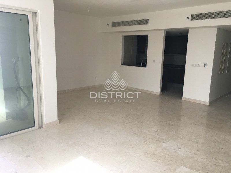 3BR Apartment with Sea View in Marina Heights