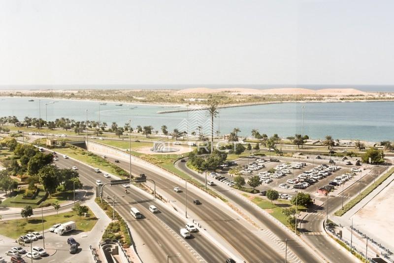 Sea View 4BR Apartment in Khalifa Street