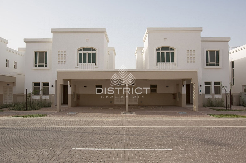 four-cheques-2br-townhouse-in-al-ghadeer