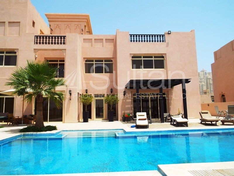 Immaculate Upgraded Beach Front Villa