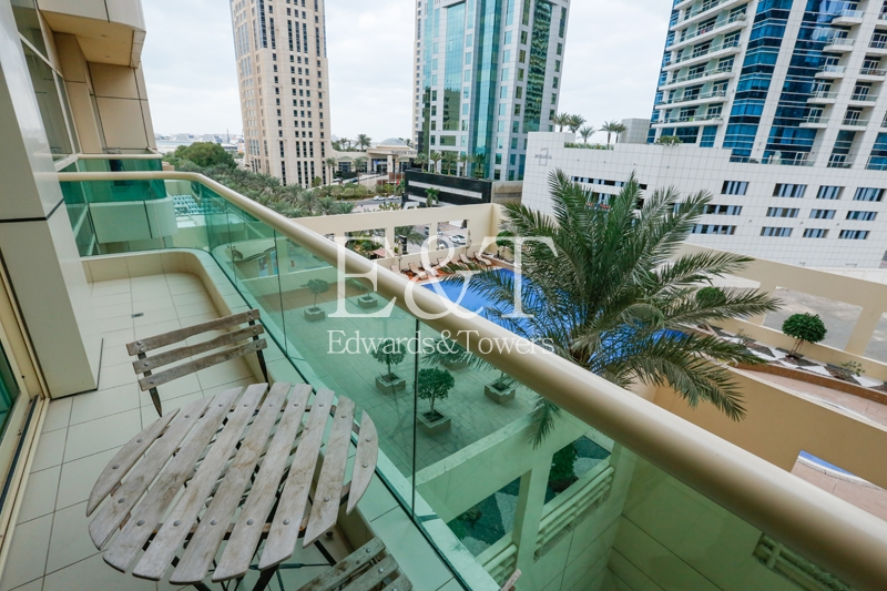 Vacant Now / Pool View/ Excellent Layout