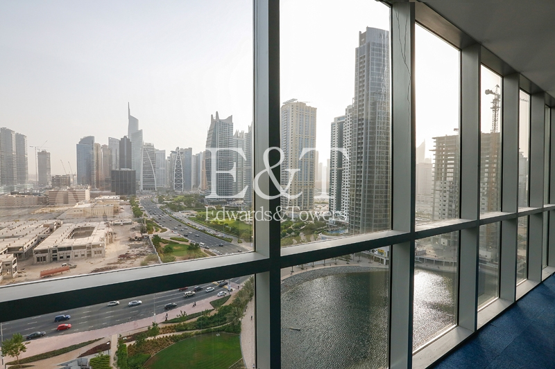 Huge Excellent Fitted with Balcony - JLT