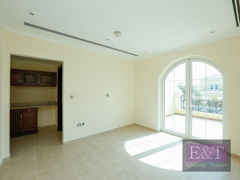 Lovely villa| 4 BR | Upgrade kitchen ,JP