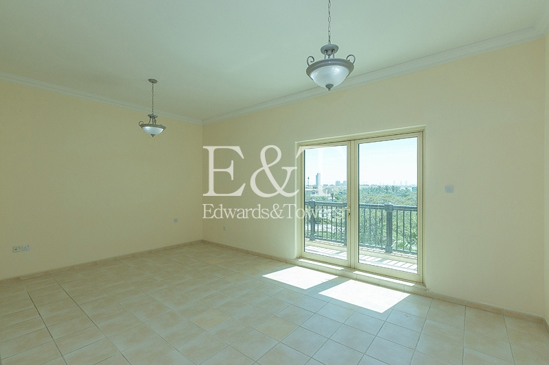 Open house from today 11 to 5| E Villa | JI